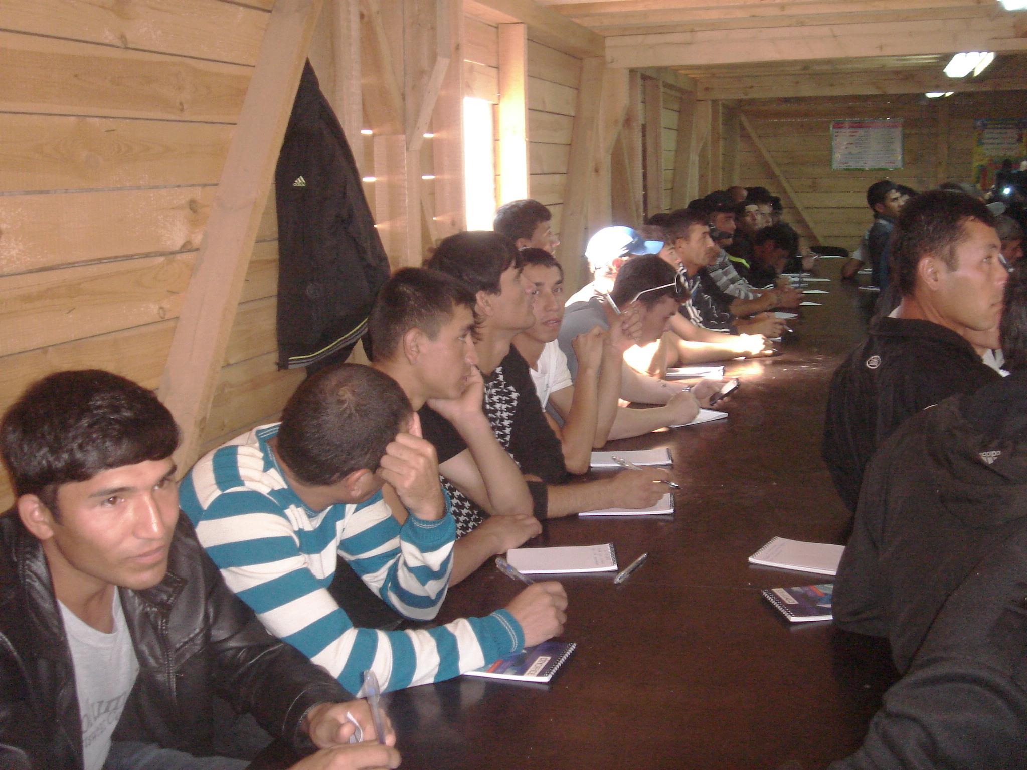 studenti-otmechayut-sdachu