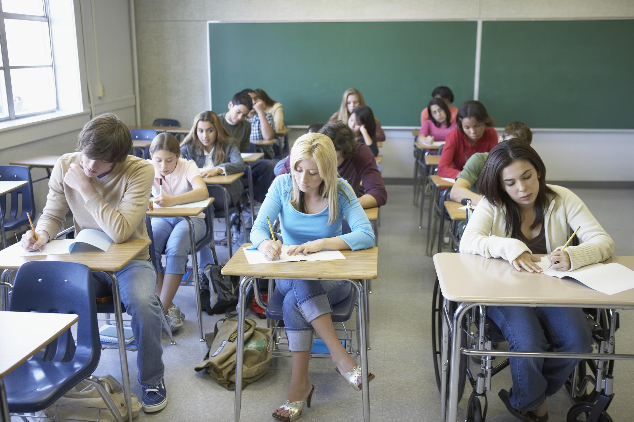 Студенты после экзам ена 14 фотография